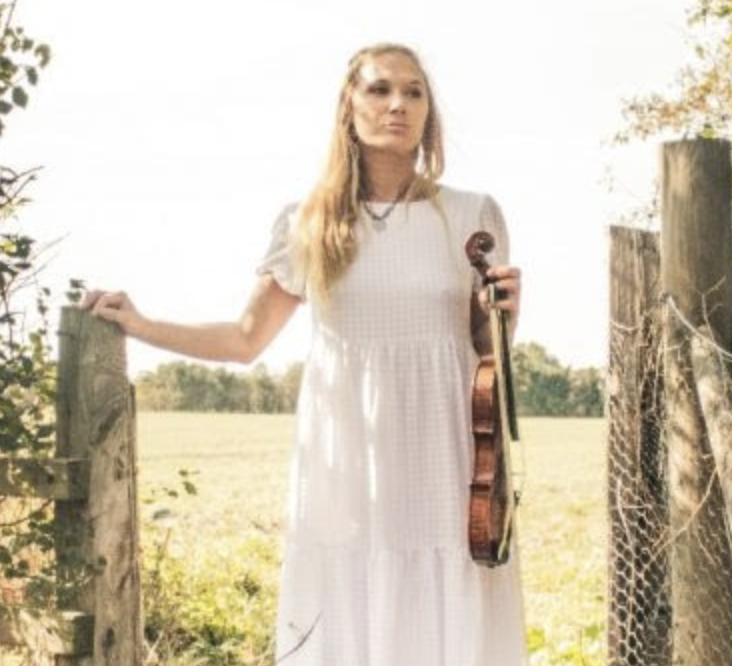 Featured performance from Hannah Woolmer