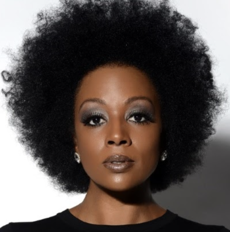 Featured performance from Sy Smith